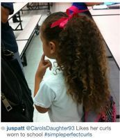 A favorite back to school hairstyle, perfect curls and pretty ribbons. - Back To School Kids School Hairstyles, Cute Hairstyles For Kids, Little Girl Hairstyles, Fishtail Hairstyles, Easy Hairstyles, Teased Ponytail, Disney Princess Hairstyles, Fresh Hair, Braids For Kids