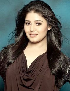 Sunidhi Chauhan, the Hindi voice of Elsa
