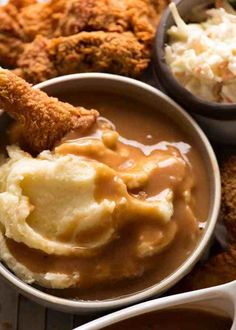 KFC Potato and Gravy is famous for the soft, creamy mashed potato and their signature gravy. Now here's a recipe to make it at home - it's incredible! Kfc Gravy Recipe, Recipe Tin, Recipe Spice, Gravy For Mashed Potatoes, Potato Gravy, Juicy Baked Chicken, Baked Chicken Breast, Slow Cooked Lamb Leg, Homemade Fried Chicken