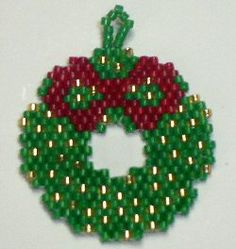 Free Beaded Wreath Patterns   Christmas Wreath Ornament by The Bead Doodler