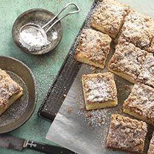 Gluten-Free Cinnamon-Streusel Sour Cream Coffeecake