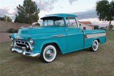 Chevy 3100, C10 Chevy Truck, Lifted Ford Trucks, Chevy Pickups, Chevrolet Trucks, Gmc Pickup, General Motors, Classic Trucks, Classic Cars