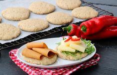 Grove polarbrød på 1-2-3 - LINDASTUHAUG Scones, Breakfast Recipes, Yummy Food, Cookies, Baking, Desserts, Drink, Crack Crackers, Tailgate Desserts