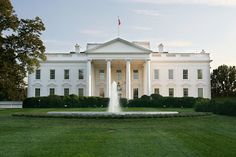 1600 Pennsylvania Avenue - this is probably the most important address of USA. But did you know that the #WhiteHouse is haunted. Yes, it is haunted by ghosts of dead US presidents. The most famous of them being the ghost of Abraham Lincoln. Reportedly, Lincoln's ghost even advises Barack Obama on critical stage issues.