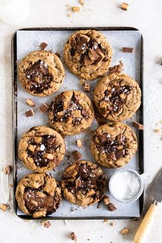 Peanut Butter Cup Cookies with Chocolate Chips Peanut Recipes, Cookie Recipes, Dessert Recipes, Cookie Ideas, Baking Recipes, Frozen Cookie Dough, Frozen Cookies, Peanut Butter Cups, Homemade Pastries