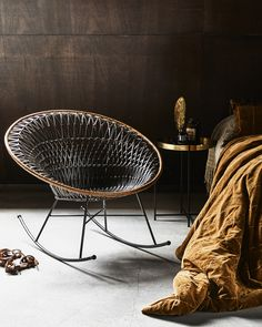 This beautiful HK-living Rattan Egg chair will look perfect in your interior! The bohemian Egg chair is made of rattan with metal base and is ideal for lounging all day long. Home Interior Catalog, Home Interior Design, Room Interior, Interior Tropical, Chair Design, Furniture Design, Rattan Rocking Chair, Turbulence Deco, Hygge