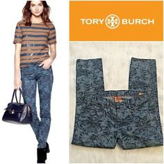 """Tory Burch Ivy Super Skinny Floral Jeans SZ.29 B15-366-SGW23 – Tory Burch Ivy Super Skinny Floral Jeans SZ.29 – New without tags; no signs of wear – Approx. Measurements: Inseam-27"""" / Waist-16"""" / Ankle-6.5 / Rise-9"""" - Featuring a superslim silhouette, this popular style is designed with just enough stretch for a supremely flattering fit. The vintage-inspired bloom pattern and indigo hue make this a perfect update to basic blues. Slim, super-skinny fit; Logo rivets at front pockets; logo…"""