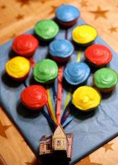 cupcake cake inspired by the film Up! via The Circus Lady on  tumblr