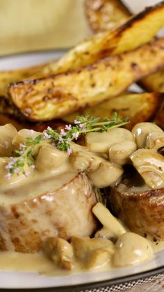Sirloin Steak with Mushroom Cream Sauce Savory pork tenderloin steaks in a rich and decadent mushroom cream sauce - this dish has it all! - Savory pork tenderloin steaks in a rich and decadent mushroom cream sauce - this dish has it all! Tenderloin Steak, Pork Tenderloin Recipes, Pork Recipes, Crockpot Recipes, Cooking Recipes, Healthy Recipes, Sirloin Steaks, Cooking Games, Cooking Food
