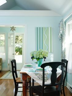 cottage dining room | Gridley + Graves Photographers