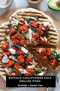 This Buffalo Cauliflower Kale Grilled Pizza is absolutely the most perfect family-friendly recipe for the summer! It comes topped with buffalo sauce, mozzarella cheese, kale, and buffalo cauliflower bites and comes based with a crispy, fluffy gluten-free GRILLED crust. Yes, I said Grilled! It's just that simple, yet it's bursting with savoriness and flavor. Vegan option available. #grilledpizza @buffalocauliflower #buffalocauliflowerpizza #vegetarian #weeknightmeals #healthydinner #pizza…