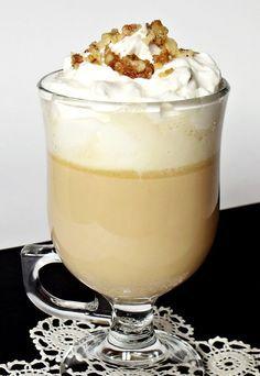 Citromhab: Karamellás forró csokoládé Café Chocolate, Café Bar, Hungarian Recipes, Trifle, Cacao, Milkshake, Yummy Drinks, Finger Foods, Cake Pops