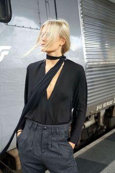 24 Looks Que Prueban Que Una Skinny Scarf Es Justo Lo Que Necesitas   Cut & Paste – Blog de Moda