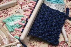 loom knitting patterns | ... knitting looms while she continued with her circular loom making