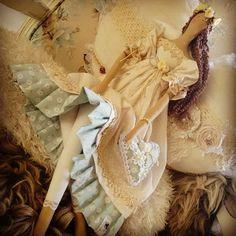 Tildas By Danii Ellmer sou suspeita a falar de tildas, pq amooo...mas n tem como n se apaixonar pelas curvas dessas meninas...olha as pernas q lindas...rsrsrsr.... #tildas #tildastyle #tildasdoll