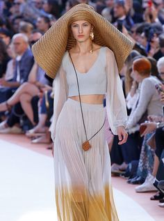 A model at the Missoni spring/summer 2018 show in Milan. Spring Summer 2018, Missoni, Milan, Hot, Skirts, Model, Lovers, Dresses, Style