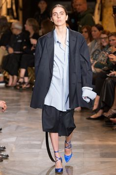 Vetements, Look #2 - Spring 2017 Ready to wear collection - Paris ( Couture ) Week - Bxy Frey