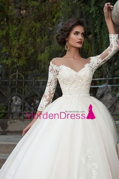2016 Bateau Wedding Dresses 3/4 Length Sleeve With Applique Tulle