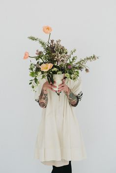 The LANE's Botanical Styling Workshop / Arrangement by Anna Sheffield http://thelane.com/style-guide/style-elements/styled-shoots/the-lane-fox-fodder-botanical-styling-workshop