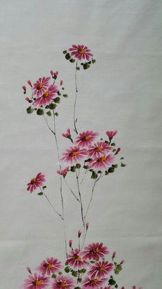 봄이 빨리 왔으면 좋겠어요봄이 오는 식탁을 기다리며 그렇게 기다려보면서고운 색깔 곱게 담아 식탁... Fabric Painting, Fabric Art, Fabric Crafts, Paint Fabric, Watercolor Flowers, Watercolor Paintings, Watercolors, One Stroke Painting, Cute Wallpapers