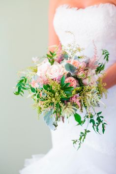 8 Tips to Beautiful Wedding Flowers on a Small Budget