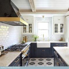 Cottage Kitchens, Modern Farmhouse Kitchens, Home Kitchens, New Kitchen, Kitchen Dining, Shaker Kitchen, Blue Kitchen Ideas, Cottage Kitchen Inspiration, Kitchen Renovation Inspiration