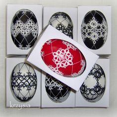 Robótki na radości i smutki: o frywolitce Ukrainian Easter Eggs, Egg Art, Tatting Lace, Tatting Patterns, Egg Decorating, Lace Overlay, Seasonal Decor, Crafts To Make, Decoupage