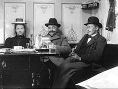 At a cafe in Uppsala, Sweden in 1902.