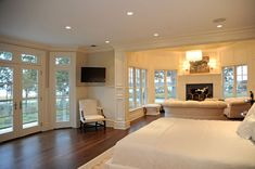 Luxurious master suite Live the sitting area