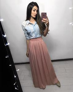 """4,244 Likes, 49 Comments - JAQ JACOB⚡️Modest Fashion (@jaqjacob) on Instagram: """"{ lady like }  Meninas, tem essa blusa disponível na loja. @jacob.store @jacob.store @jacob.store…"""""""