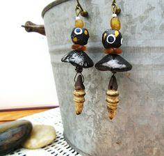 Boucles d'oreille : céramiques, perles en verre africaines .....