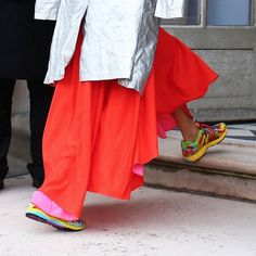 holding-Sneakers-Inspired-by-Pre-Fall-Looks-2015