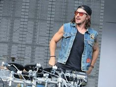 Shannon Leto soundcheck.Hollywood Bowl 10/12/13