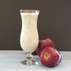 Delicious Apple Pie Smoothie! 1 Banana 1 Red Apple 1/2 Cup Plain Greek Yogurt 1/2 Cup Almond Milk 1/4 Cup Oat, Old-fashioned 1 Cup ice