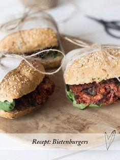 Zin in een burger? Deze Aziatische bietenburgers zijn onze ultieme favoriet. Lekker op een broodje, maar ook gewoon zo als snack!