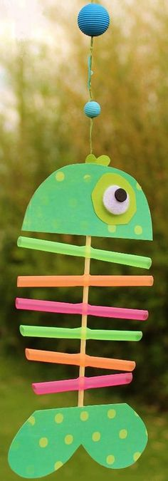 Fish making using pipette Diy And Crafts Sewing, Crafts For Boys, Diy For Kids, Craft Projects, Sewing Projects, Projects To Try, Tapas, Kids Magnets, Lego Activities