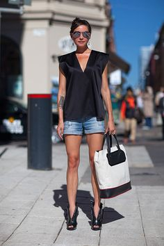 Stockholm Street Style Spring 2014 By Nayia Ginn Street Style 2014, Street Style Outfits, Looks Street Style, Spring Street Style, Street Chic, Spring Summer Fashion, Spring 2014, Street Styles, Summer Chic