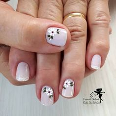 Like this nail fashion idea beauty kleuren kleuren Toe Nail Designs, Nail Polish Designs, Spring Nails, Spring Nail Art, Floral Nail Art, Pretty Nail Art, Flower Nails, Stylish Nails, French Nails