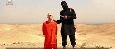 Cena do vídeo divulgado na internet pelos jihadistas com a execução do jornalista americano James Foley Foto: Reprodução / Reprodução