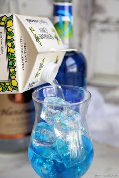 The Blue Lagoon cocktail is and easy blue drink featuring vodka, blue curaçao and lemonade. The lovely blue color is fun and exotic. Easy Cocktails, Cocktail Drinks, Alcoholic Drinks, Beverages, Curacao Drink, Blue Curacao, Blue Lagoon Cocktail, Recipe For Teens, Blue Drinks