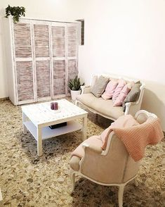 Shabby chic deco inspiration - Shutters, Old Shutters ideas Kitchen Shutters, Bedroom Shutters, Vinyl Shutters, Old Shutters, Interior Shutters, Wooden Shutters, Raised Panel Shutters, Plastic Shutters, Humectant