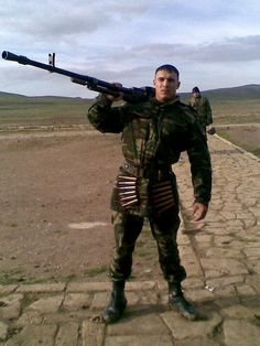 Turkish Nations Hero and Azerbeijan's National Hero Mübariz İbrahimov .He captured enemies headquarters alone and killed 45 enemy. He fight 5 hours himself to enemy troops Turkish Military, Turkish Army, Turkish People, Men In Uniform, The Republic, Armed Forces, Troops, Hot Guys, The Unit
