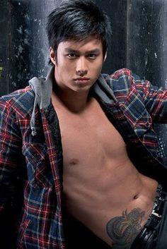 Sexy & handsome pinoy hunk Jiro Shirakawa. ;)