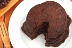 Chocolate Brownie Pancakes {Gluten-Free, Sugar-Free, & Vegan}. The entire stack is only 253 calories!