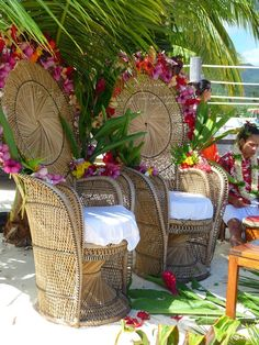 Can we find Tahitian wedding chairs like this for cheap in Boston? decorating them in a similar way would be cool. ---------- Tahitian Wedding in the Islands of Tahiti Tahiti Wedding, Luau Wedding, Wedding Night, Hawaii Wedding, Maldives Wedding, Daytime Wedding, Wedding Ideas, Samoan Wedding, Polynesian Wedding