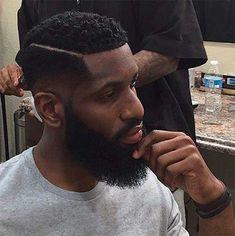 40 estilos de cabelo crespo masculino e tutoriais de penteado! http://salaovirtual.org/cabelo-crespo-masculino/ #cortemasculino #cabelocrespo #salaovirtual