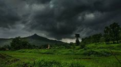 Overcast skies... . . . . . . . . . . . #travel #photography #landscape #beautiful #nature #life #green #tree #photooftheday #itz_mumbai #sky #clouds #traveling #mountains #light #instagood #colorful #amazing #photo #all_shots #beauty #ShotonOnePlus #cool #instagram #love #weather #outdoors #view #black #_soimumbai @oneplus_india @eyeemphoto @thefilmcommunity @500px