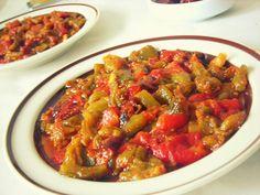 chekchouka algéroise Algerian Recipes, Algerian Food, Middle East Food, Egyptian Food, Ramadan Recipes, Greens Recipe, Arabic Food, International Recipes, Ratatouille