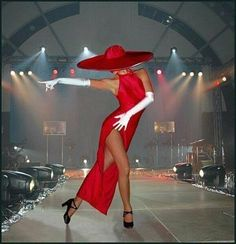 Lady in red. Gifs, Foto Gif, Beautiful Gif, Dance Art, Red Hats, Shades Of Red, My Favorite Color, Female Art, Color Splash