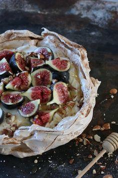 Bits Of Carey » Autumnal Pavlova | Figs & Honey